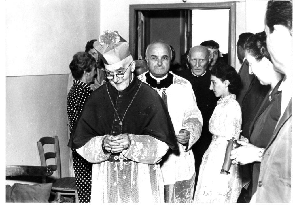 9 settembre 1946: Il Vescovo Emanuele Mignone Inaugura l'Asilo di Rigutino.