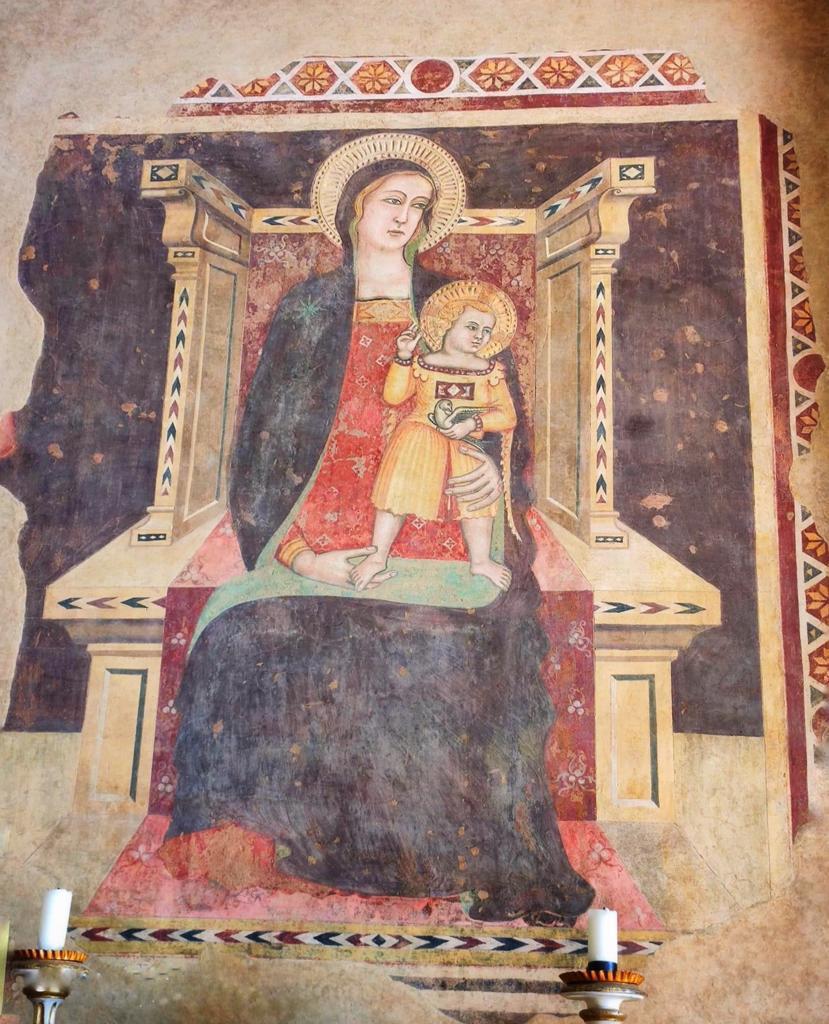 """La suggestiva pieve nelle campagne d'Arezzo dove incontrare """"l'ultimo dei templari"""". <p> di Marco Botti 11"""